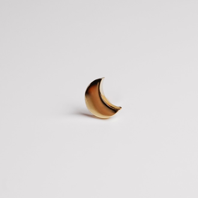 lunaire earring ; crescent moon 02
