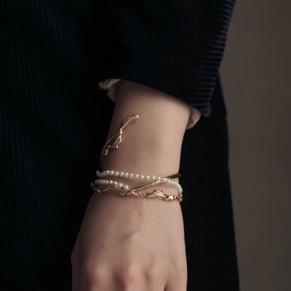 19FW. moment in seoul. bracelet05
